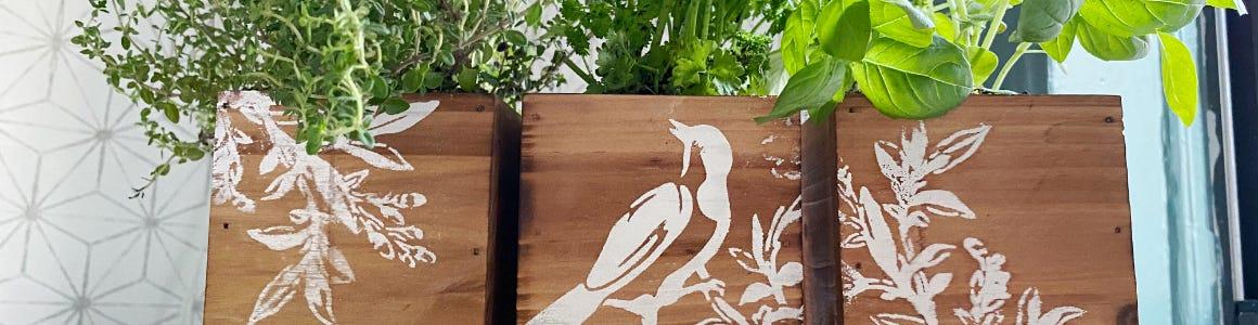 Тисненые деревянные ящики для растений